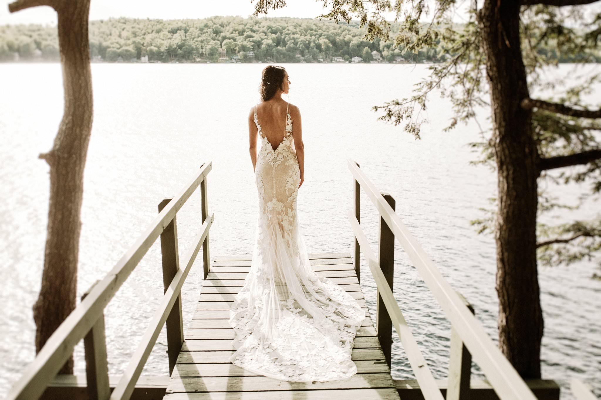 A woman in a wedding dress by Brooklyn Wedding Photographer Jose Melgarejo